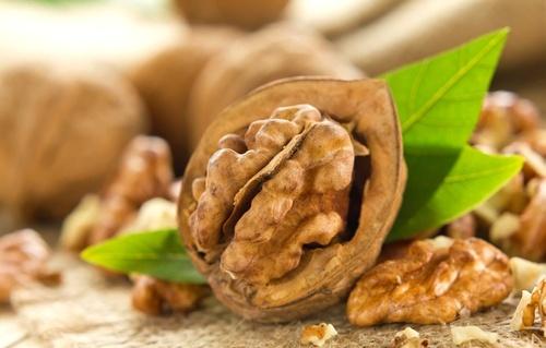 грецкие орехи, рак толстой кишки