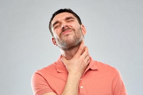 Боль в горле: когда обязательно нужно показаться врачу