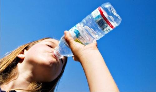 вода, бутылка