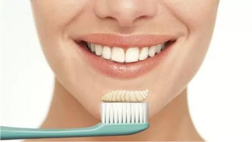 чистка зубов, зубная паста
