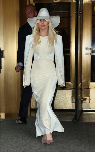 стиль, Леди Гага, блондинка