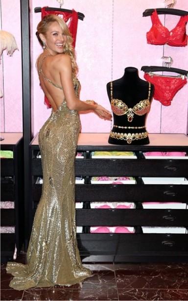 Кэндис Свэйнпоул, платье, золото, фото