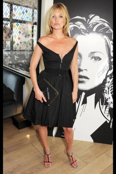 черное платье, модный фасон, тип фигуры